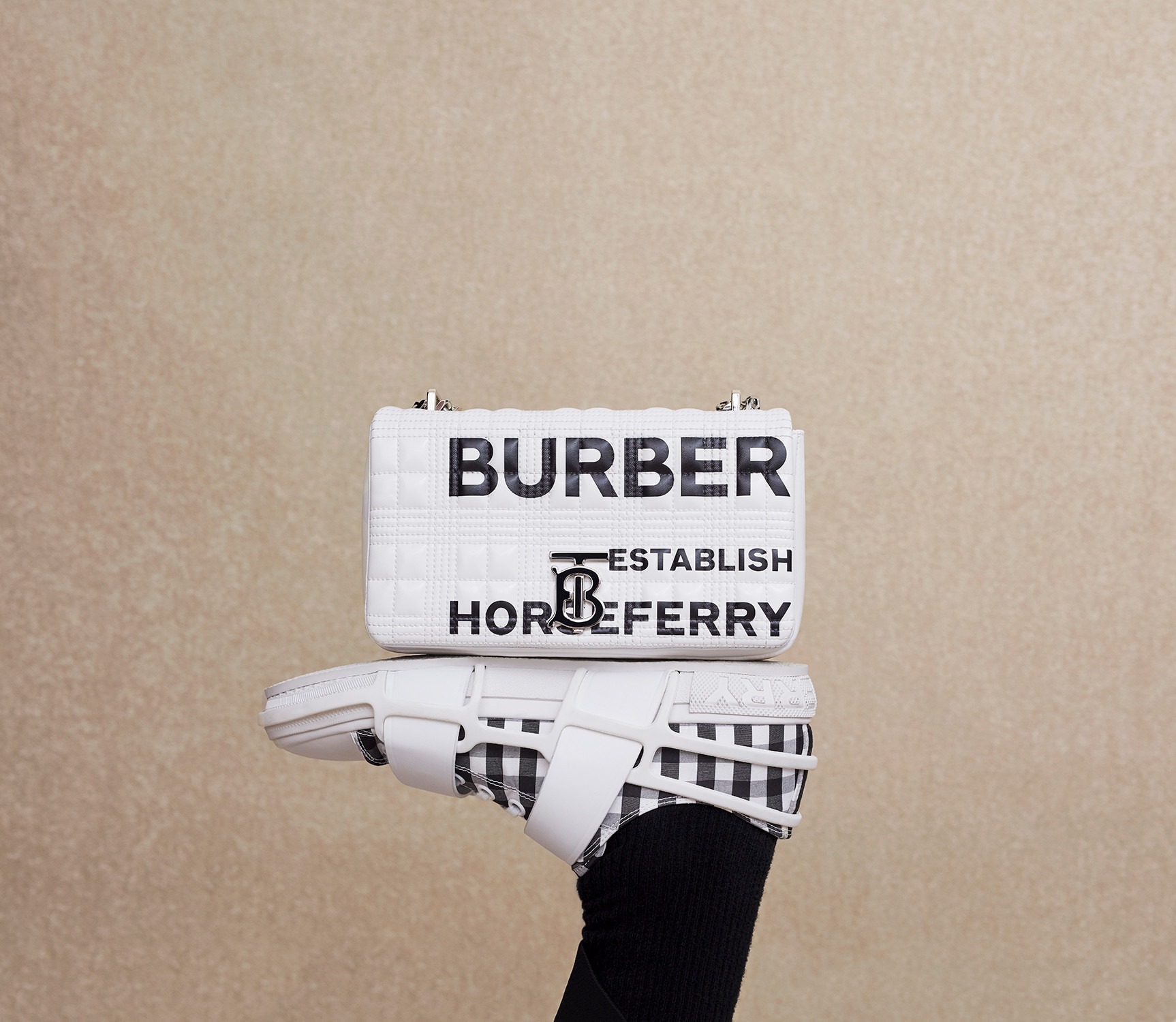 Burberry X Printemps, shot by Yann Weber - © artifices
